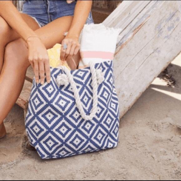 Summer & Rose Beach Bag Carryall